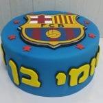 עוגה מעוצבת עם סמל ברצלונה