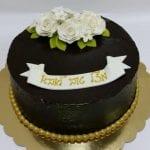עוגה עם ורדים מבצק סוכר