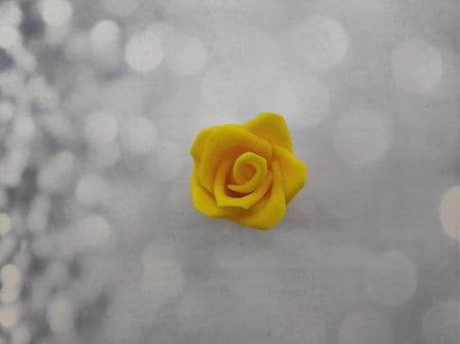 ורד צהוב אכיל
